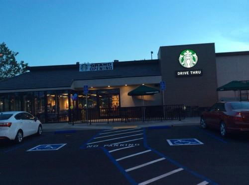 Starbucks_Grand_Opening